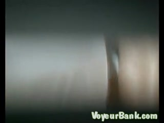 Голая зопа зрелой женщины возбудила врача, который трахнул пациент