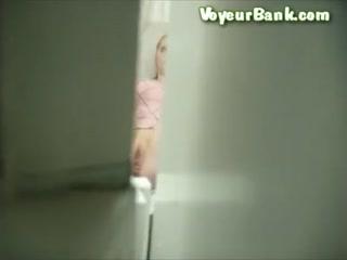 Пизду мамаши видно было во время приема у врача в кабинете - порно видео онлайн бесплатно